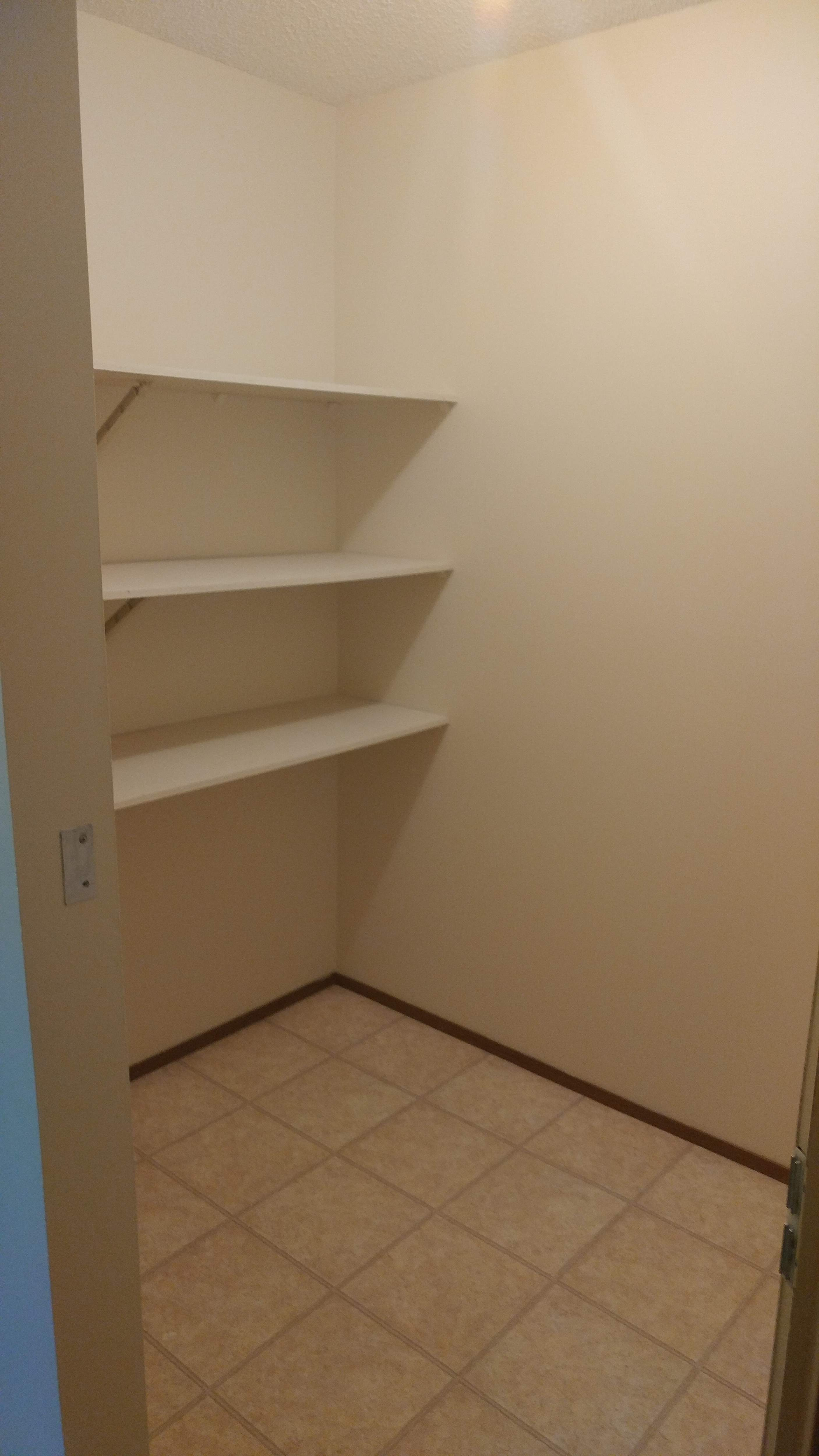 image 2 unfurnished 2 bedroom Apartment for rent in Silver Berry, Edmonton Southeast