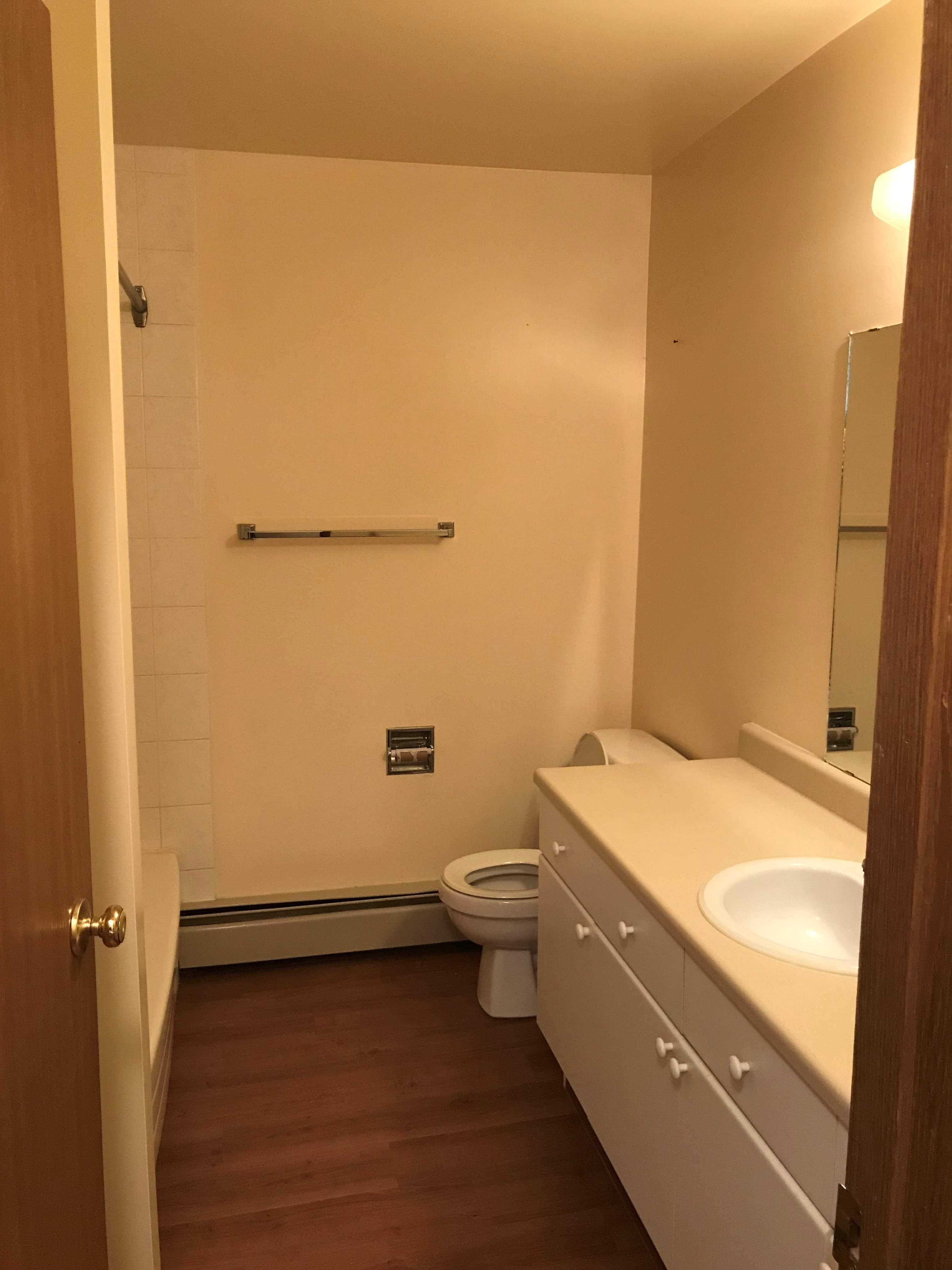 image 3 unfurnished 2 bedroom Apartment for rent in Silver Berry, Edmonton Southeast