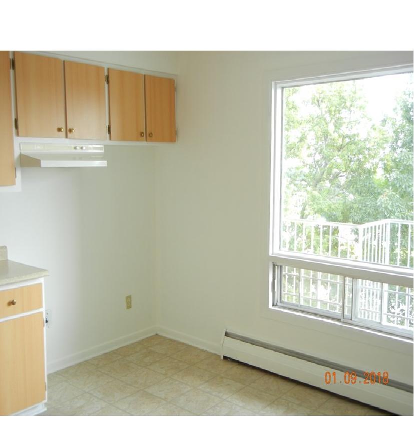 image 2 unfurnished 3 bedroom Apartment for rent in Beauport, Quebec City
