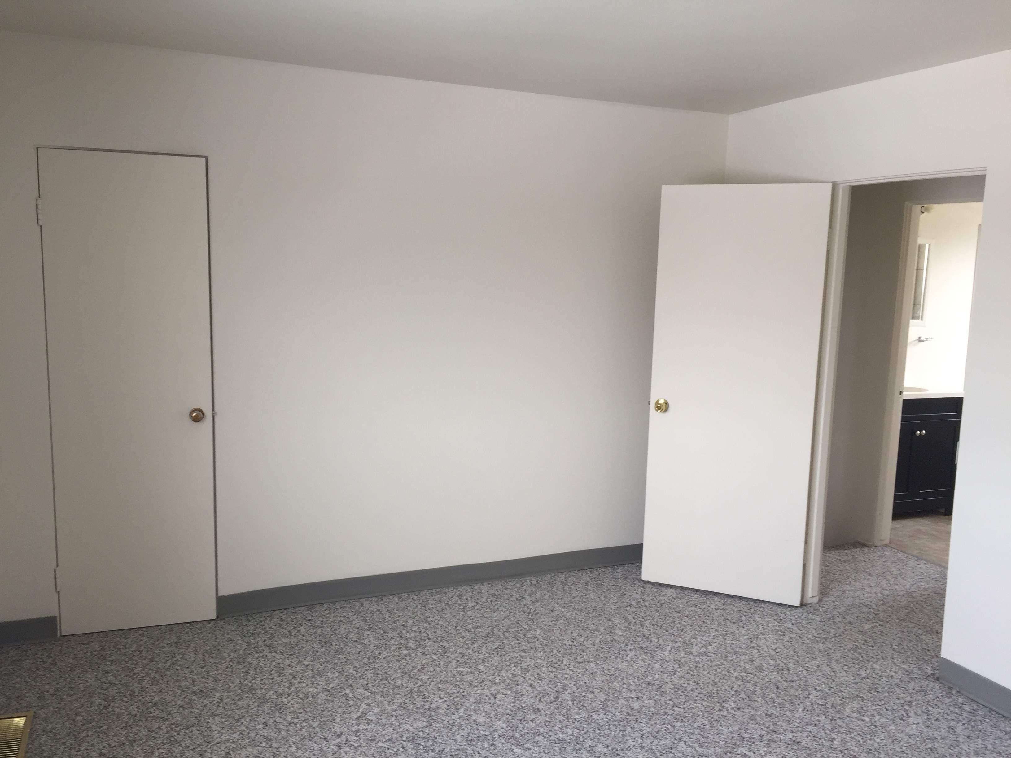 image 5 unfurnished 2 bedroom Apartment for rent in Dovercourt, Edmonton Central